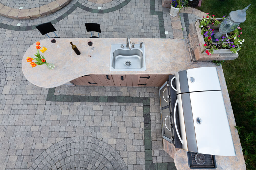 outdoor kitchen - big easy landscaping